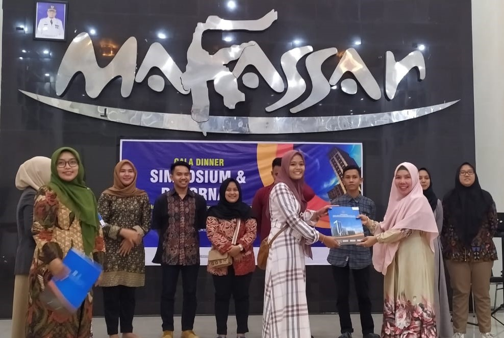 The Best Paper dan The Best Tittle Simposium Nasional di Makassar